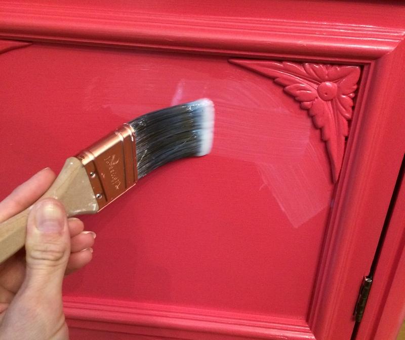 Нанесение акриловой краски